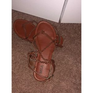 • brown strappy sandals